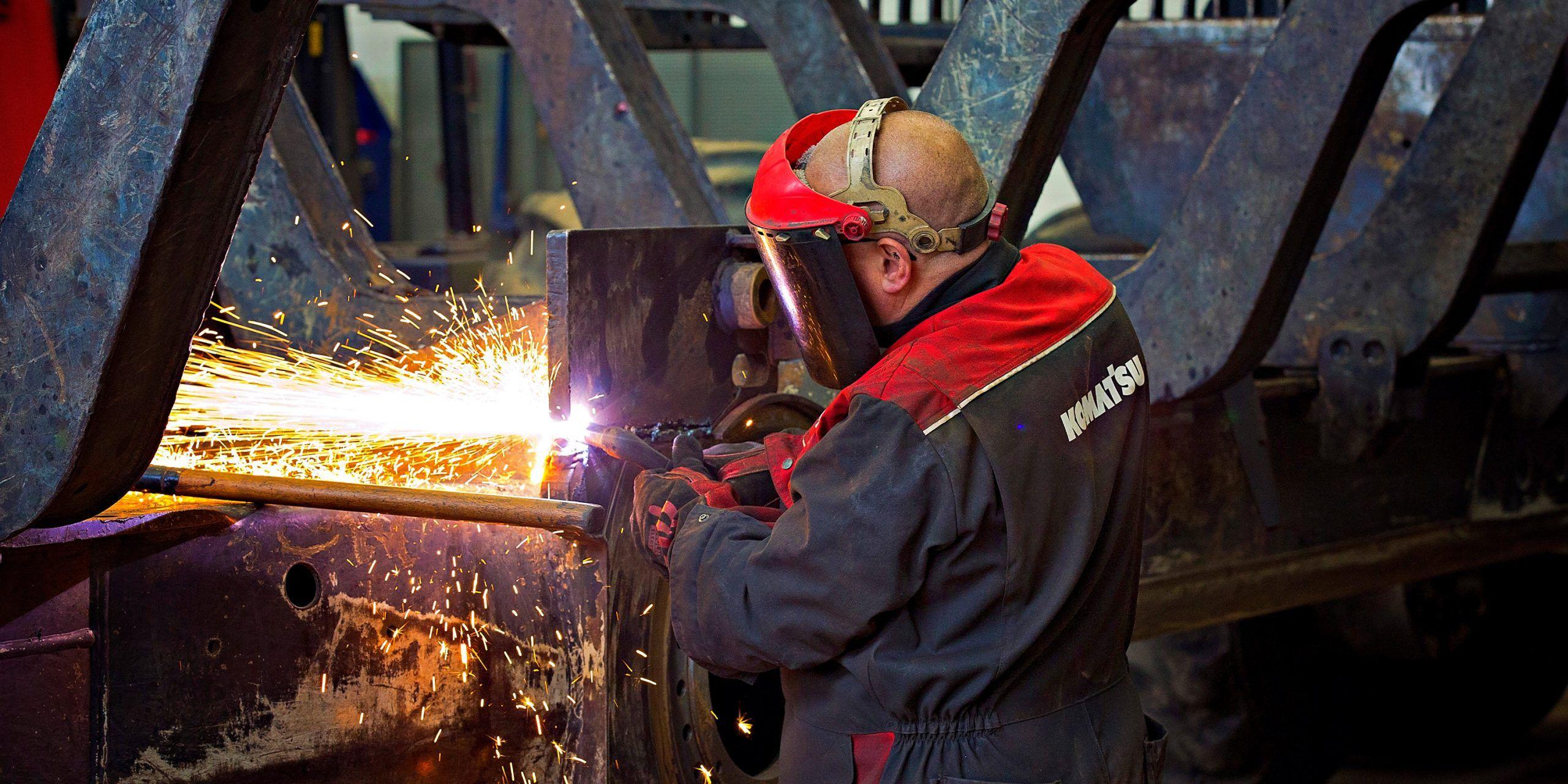 Industry photography within Komatsu factory